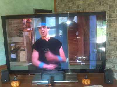 شکل5-آبخوردگی صفحه تلویزیون - تعمیر پنل آبخورده تلویزیون ها